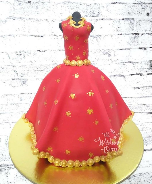 Indian Bridal Dress Cake by Sonam Choudhary of The Wishin' Oven