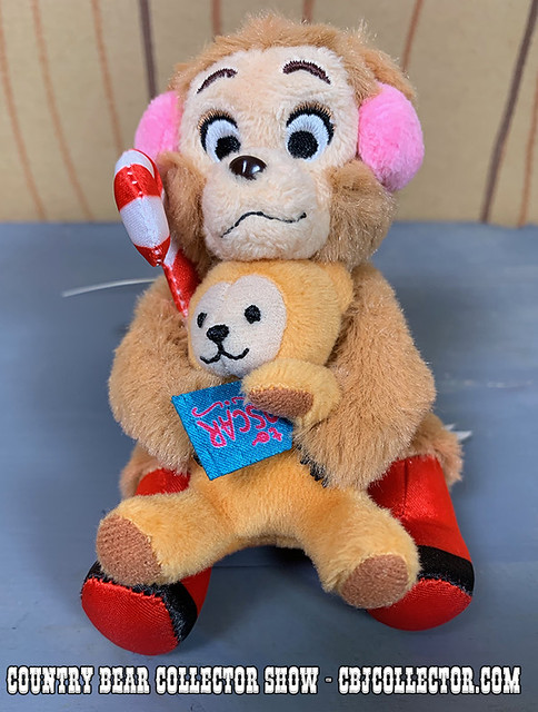 2018 Tokyo Disneyland Jingle Bell Jamboree Oscar Keychain Plush - Country Bear Collector Show #183