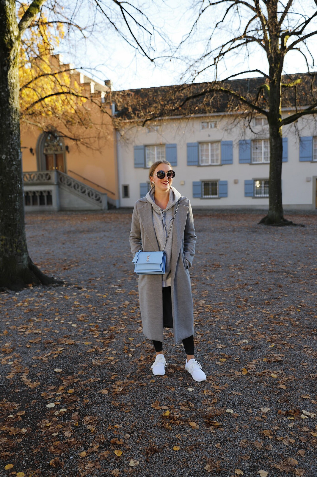 ysl-bag-and-sneakers-whole-outfit-wiebkembg