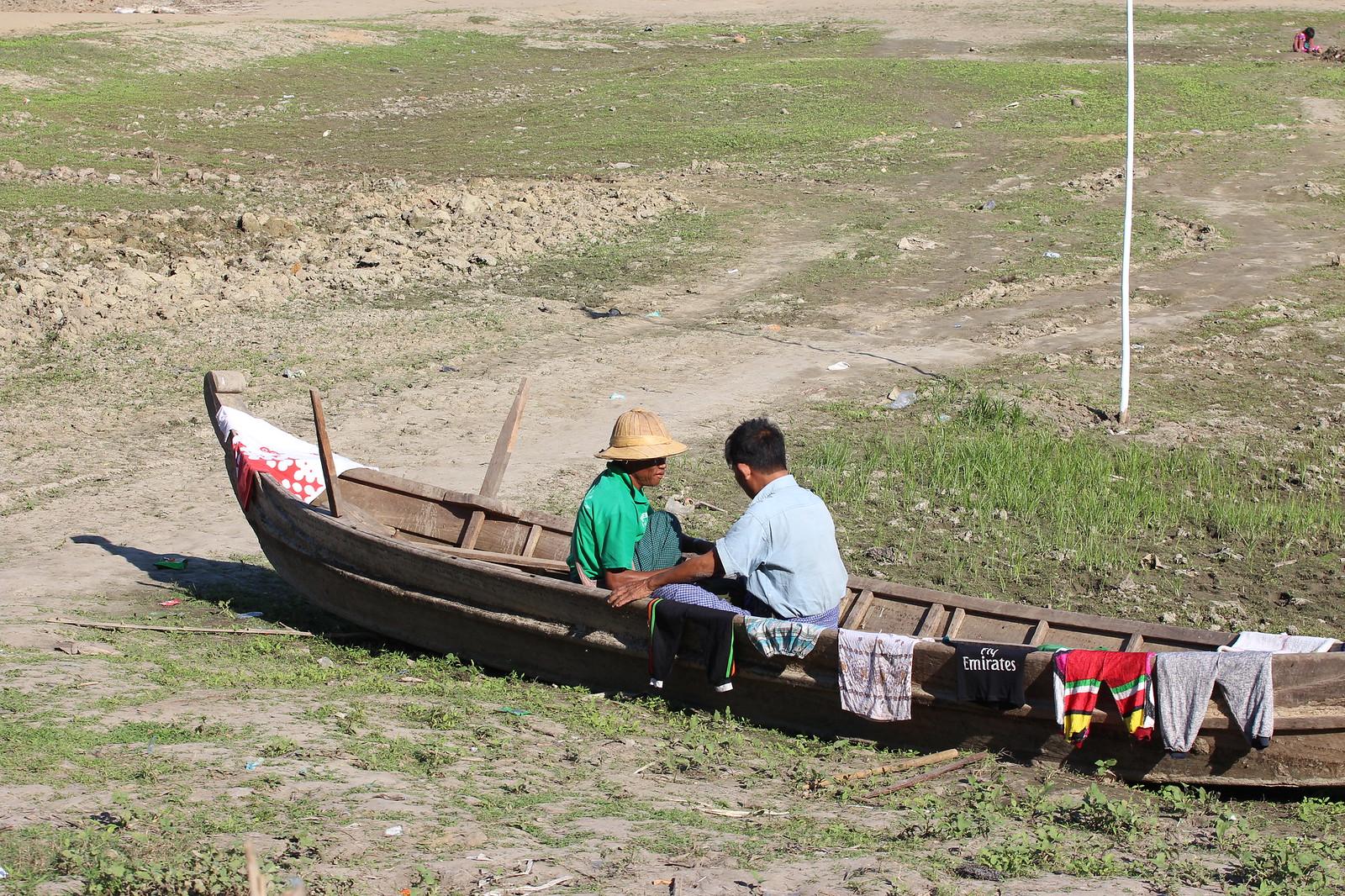Mandalayn mutinat ja lentokenttäsekoilut