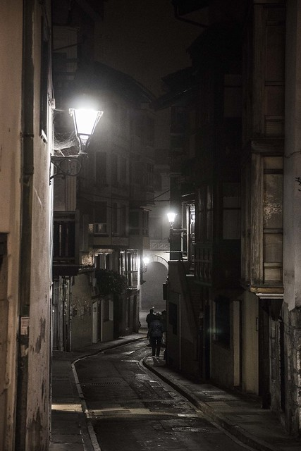 Mundaka's alley, Canon EOS 70D, Sigma 17-70mm f/2.8-4 DC Macro OS HSM