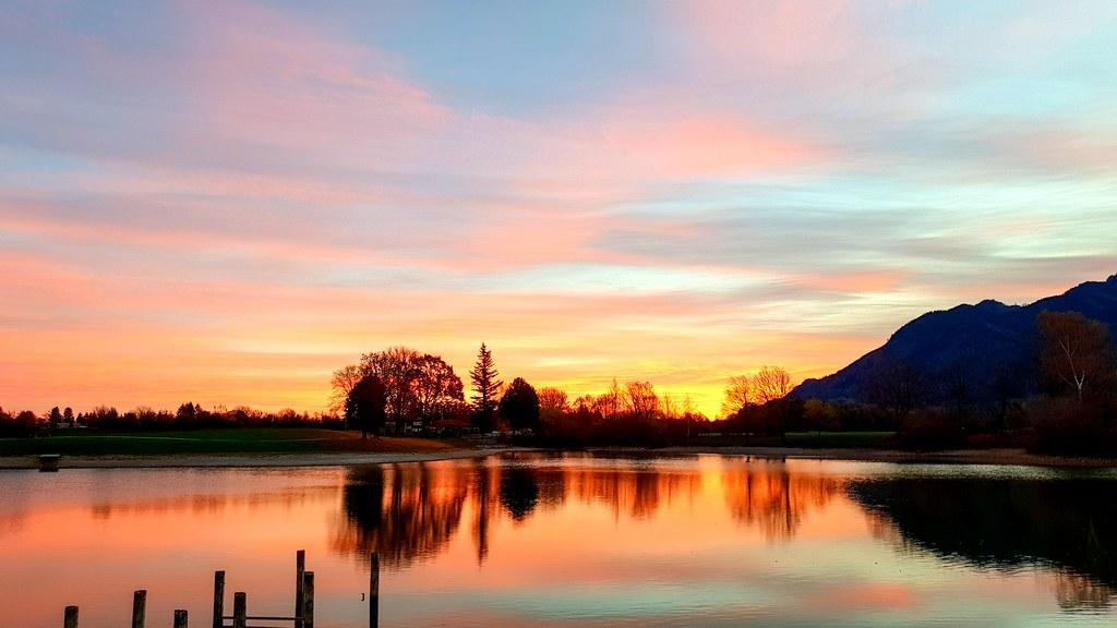 Sonnenaufgang am Reifinger See von Janine Kather