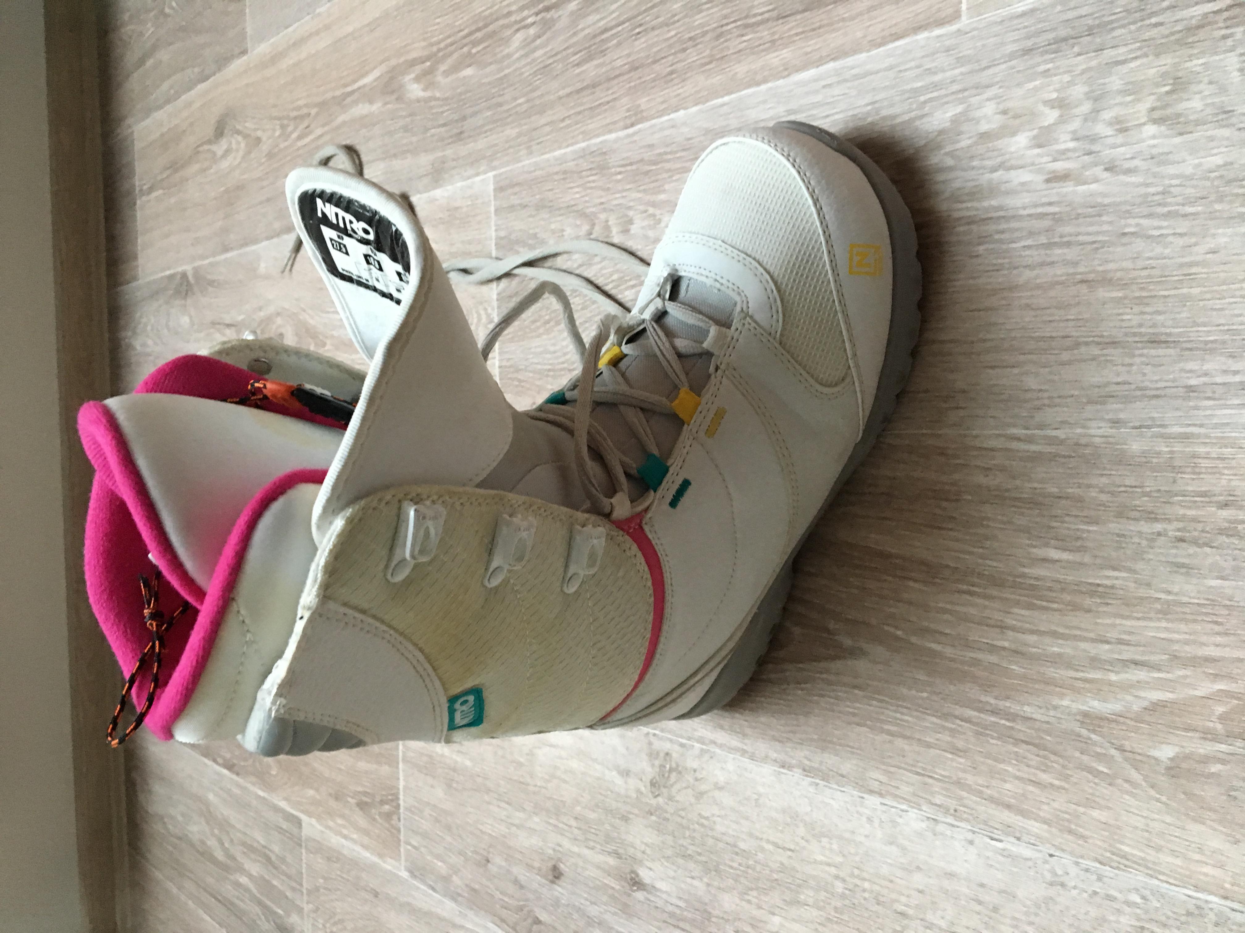 Dámské snowboard boty NITRO vel. 42 - Bazar - SNOW.CZ de985ed497