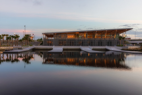 effects florida hillsboroughriver julianlanepark reflection rivercenter sunrise tampa unitedstates us