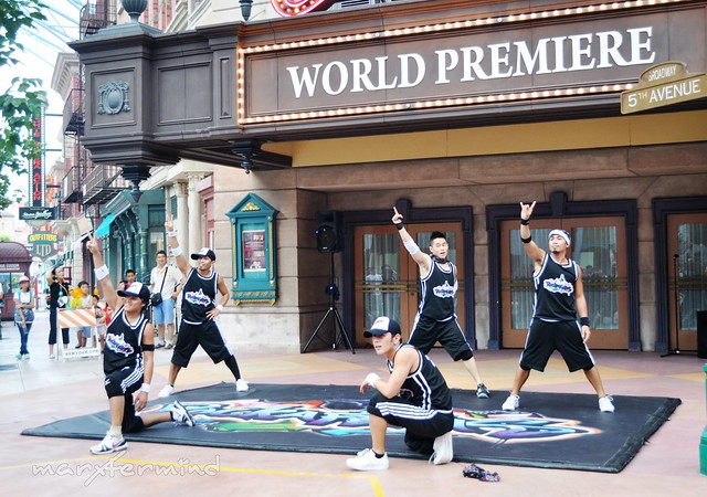 Streetboys Performing in Universal Studios Singapore