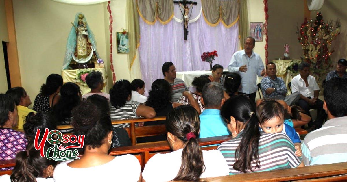 Reunión de trabajo en capilla Virgen de Monserrate del sitio Colorado de Mosquito