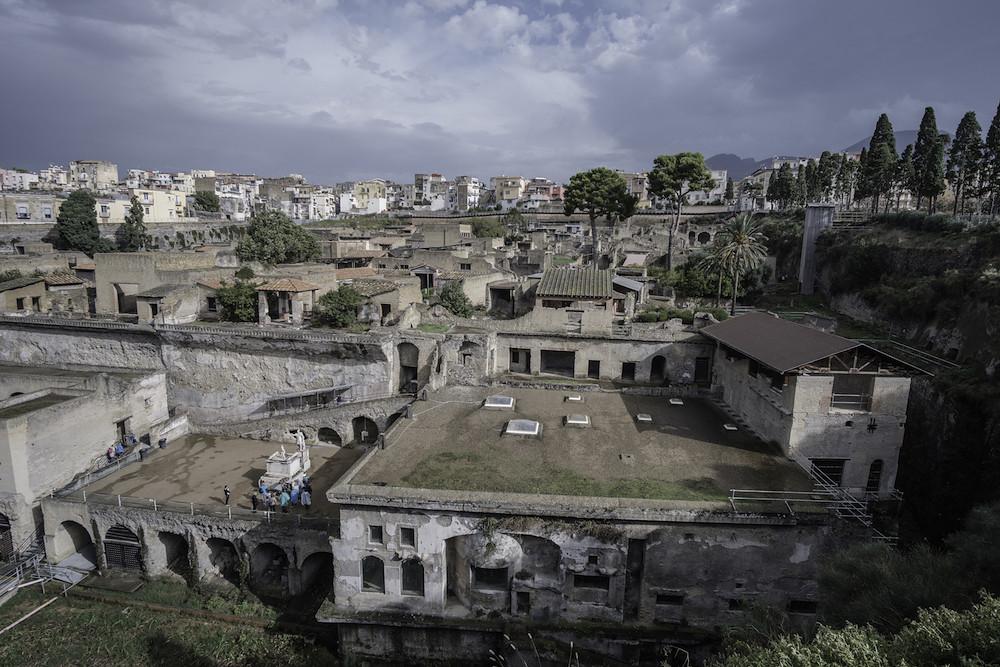 Италия, Салерно - уголок юного археолога имени Везувия