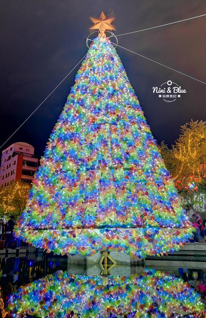 31344772917 6ebe0b1265 b - 2018年台中聖誕節光景藝術 水中耶誕樹