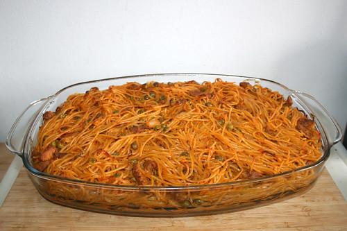 14 - Gyros spaghetti casserole with peas - Finished baking / Gyros Spaghetti Auflauf mit Erbsen - Fertig gebacken