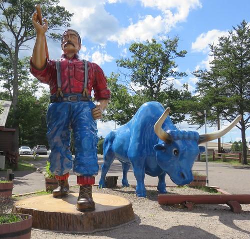 Giant Paul Bunyan and Babe (Minocqua, Wisconsin)