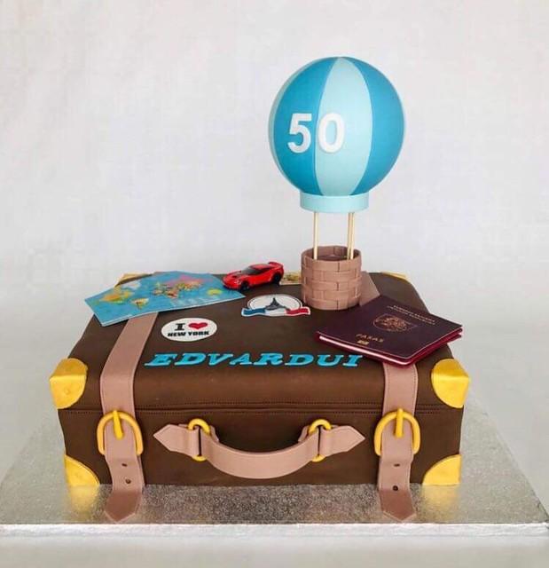 Suitcase Cake by Edita Ziuraite
