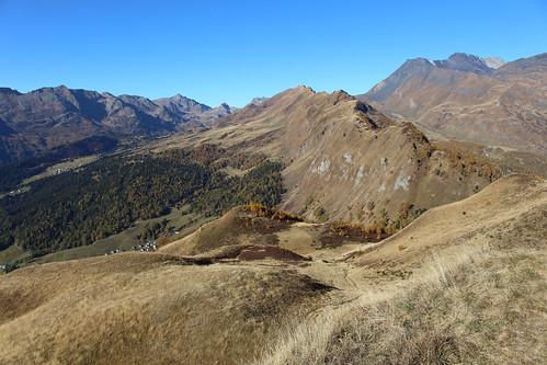 Pizzo Rossetto - Blick hinunter zum Bergweiler Dötra