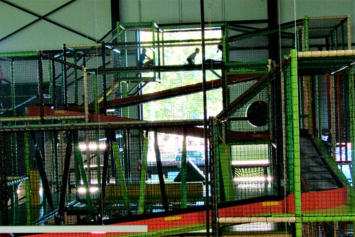 toboggan run of Tarzan en Jane Indoor Playground