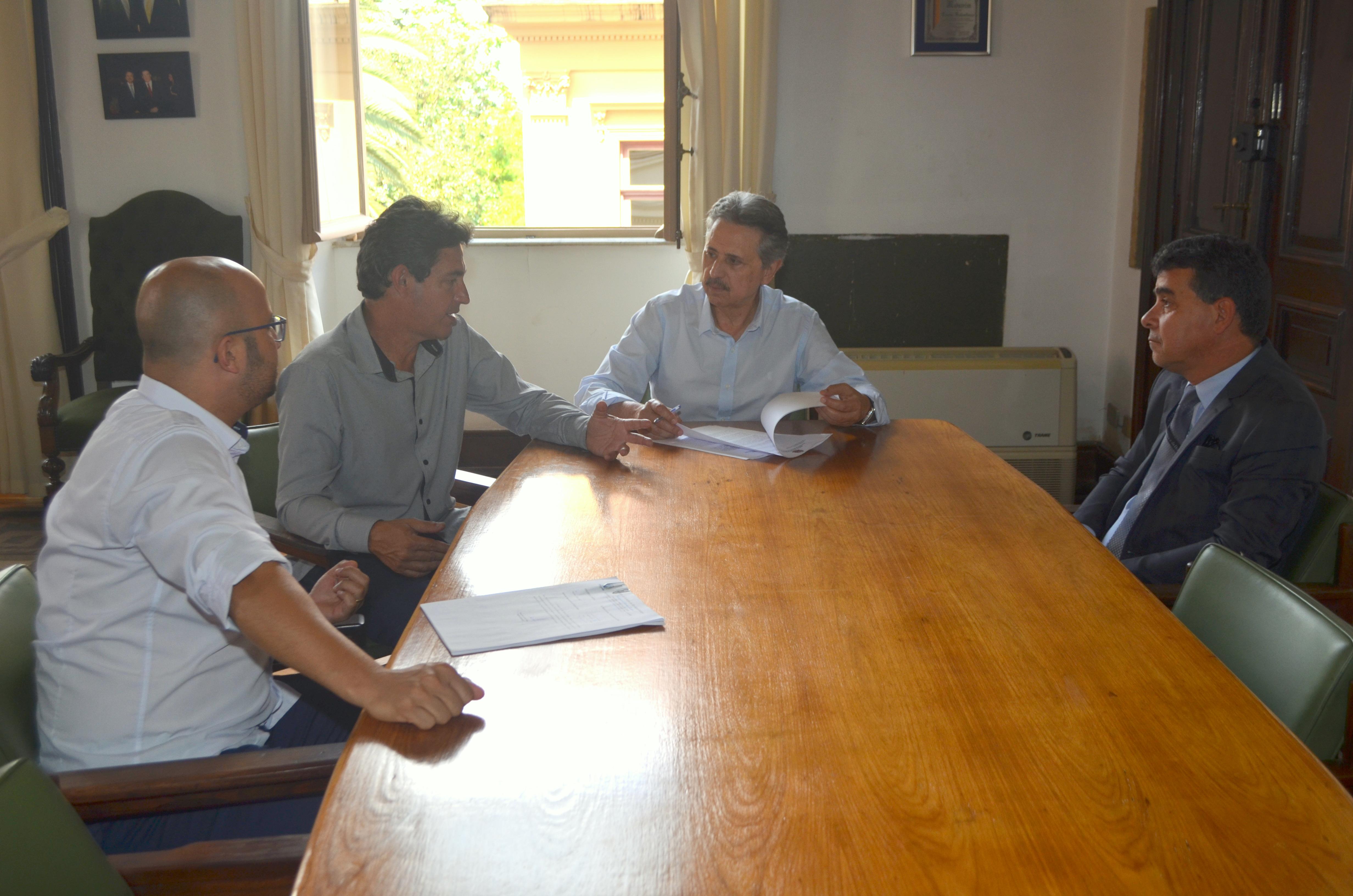 Prefeitura de São Miguel Arcanjo assina termo de aditamento com o FID