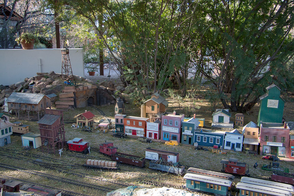 Thornville Garden Railway at Tucson Botanical Gardens