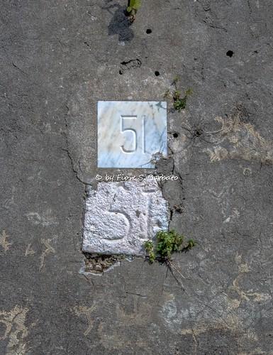 Valle di Maddaloni (CE), 2018, I Ponti della Valle o Acquedotto Carolino. Torrini di sfiato: numerazione progressiva originale.