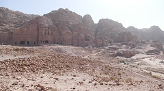 Looking at Royal Tombs in Petra (6)