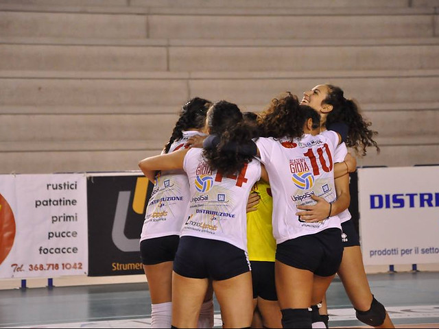 ACADEMY VOLLEY