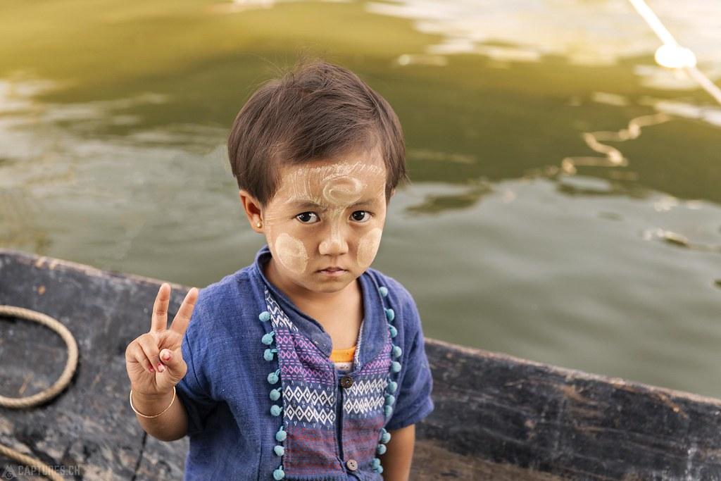 Peace child - Inle Lake