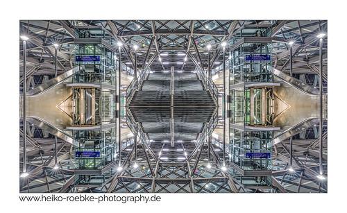 Spiegelkabinett / hall of mirrors