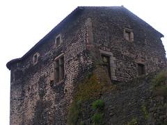 20080515 23057 0905 Jakobus Montverdun Gite Haus Burg - Photo of Mornand-en-Forez