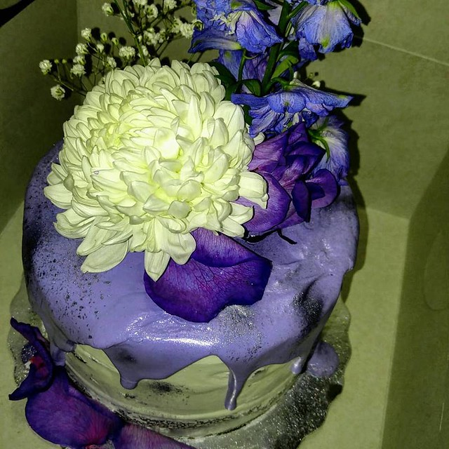 Cake by Sweet Treatz
