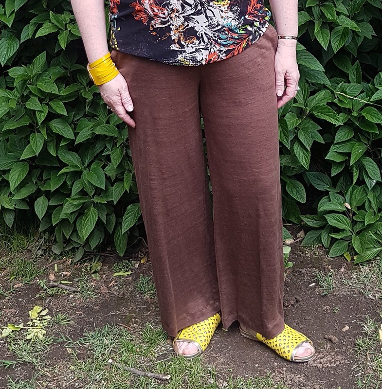 Style Arc Como pants in linen knit from Rathdowne Fabrics