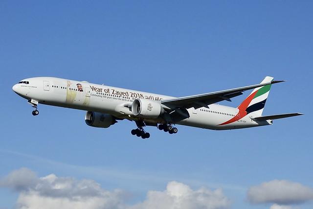 B777-31HER Emirates, Sony DSC-RX10M3, Sony 24-600mm F2.4-4.0