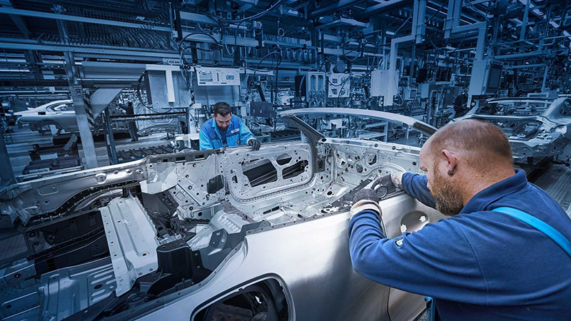 bmw-8-series-convertible-production-start (5)