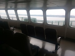Great windows & seats to the Mukilteo-Clinton Crossing