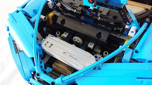 LEGO Technic Bugatti Chiron (42083)