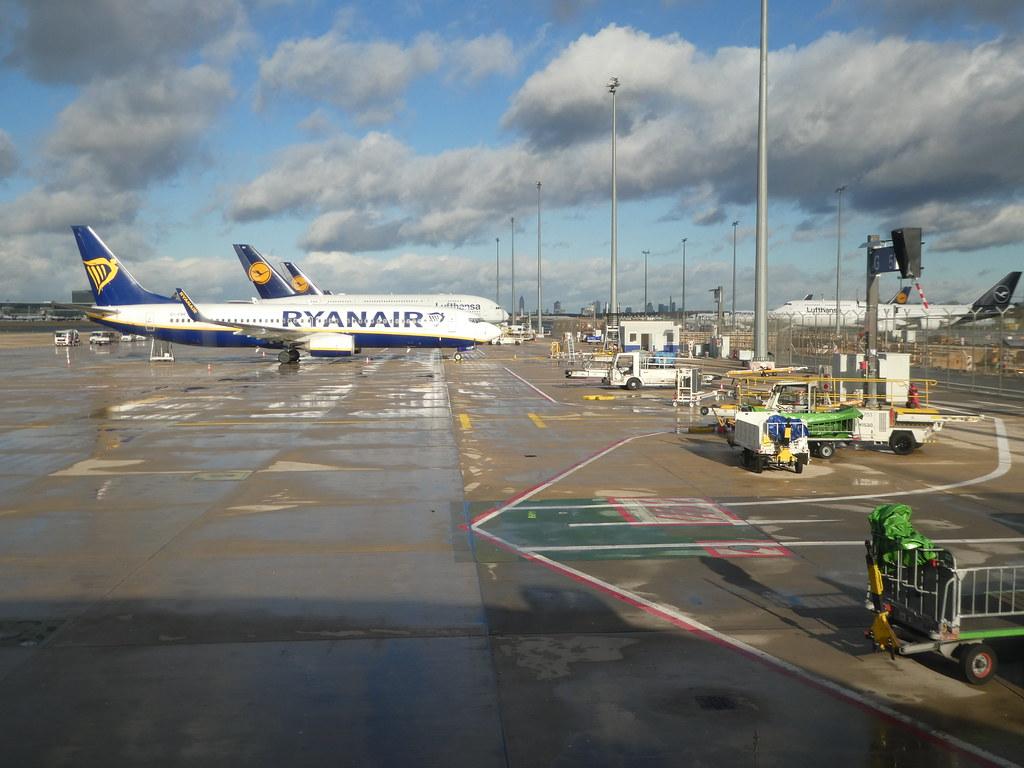 Remote parking stands at Frankfurt Airport