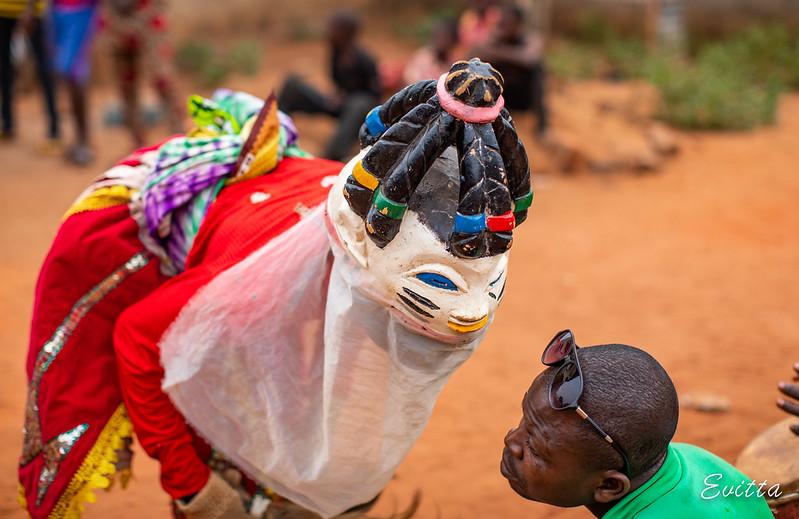Бенин и не только: маски, люди, птицы.