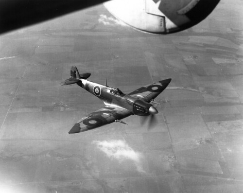 Supermarine Spitfire HF Mk VII EN474.