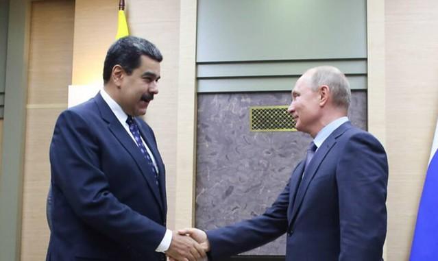 Após encontro com Putin, Maduro anuncia contratos de US$ 5 bi no setor de petróleo