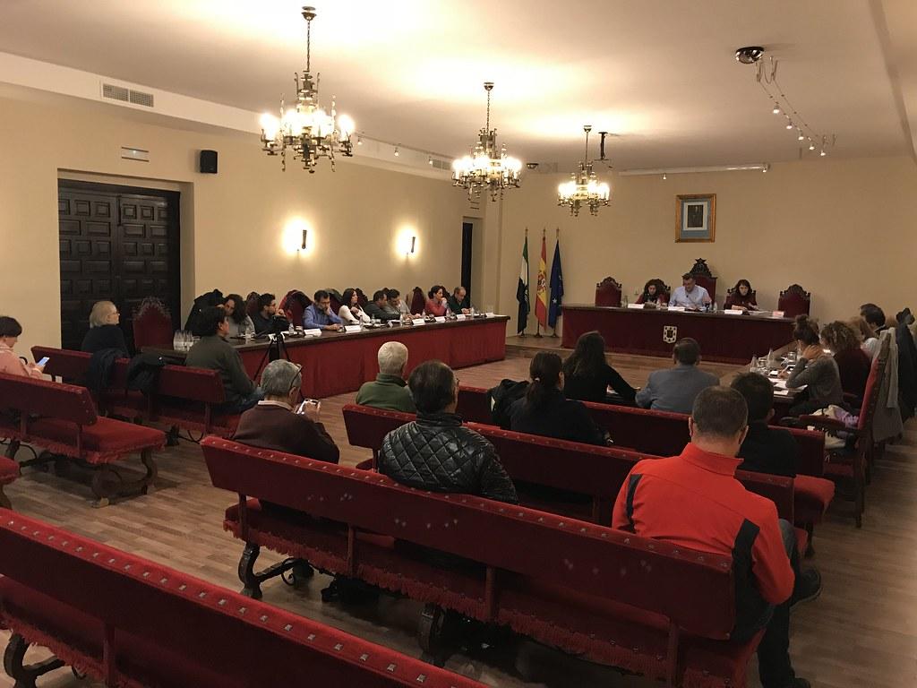 El Alcalde presenta todas las cuentas de San Juan en el Pleno, pide al concejal del PSOE que asuma responsabilidades por exceso de gasto en 2016 y que explique facturas de la compra de toros