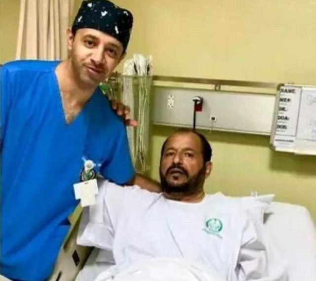 4761 A doctor reunited his teacher in a surgery after 30 years – a proud moment 01