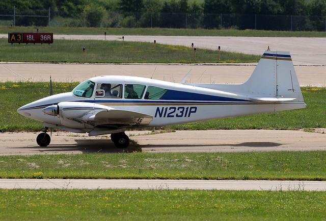 Piper PA-23 Apache 150 N1231P KOSH 2015