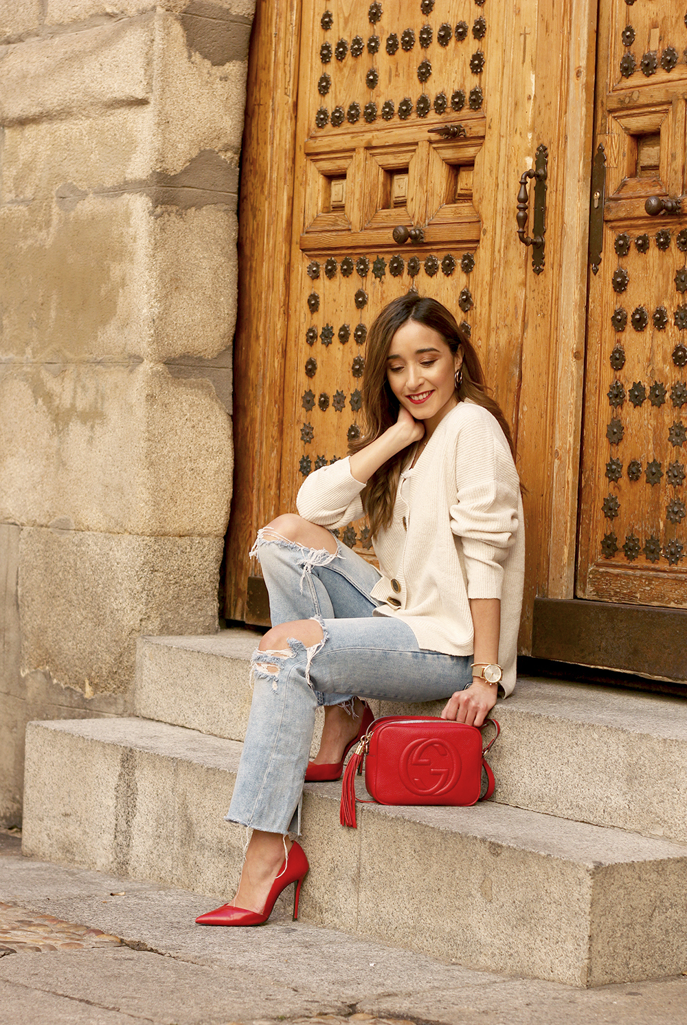 beige cardigan gucci bag red heels ripped jeans street style outfit 201910