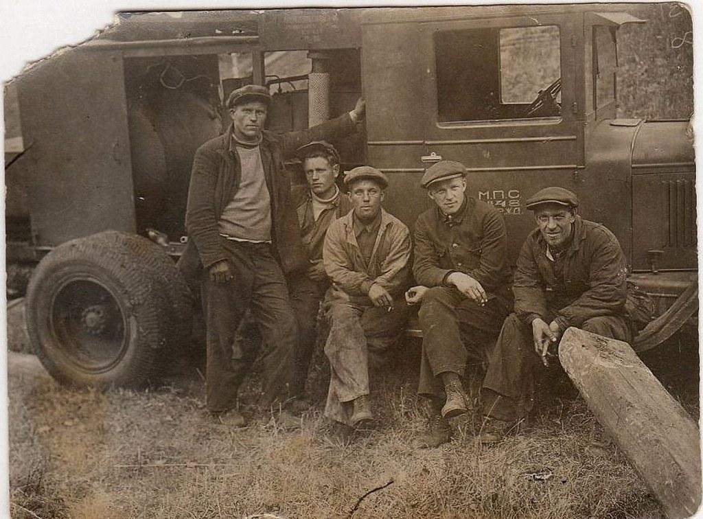 1936. Автомобиль ГАЗ - 4 и его водители. Перегон Снежница - Кача. Красноярск