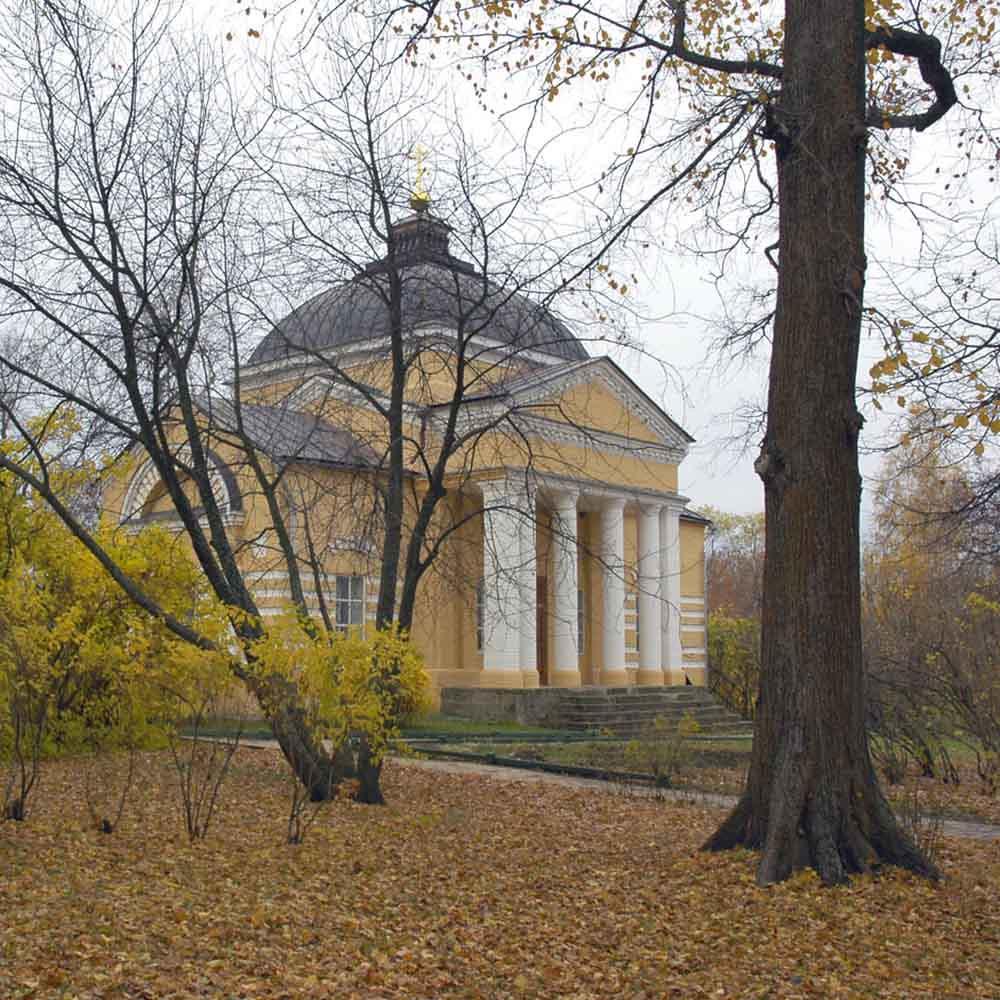 Церковь Марии Египетской на территории усадьбы музея «Тарханы»