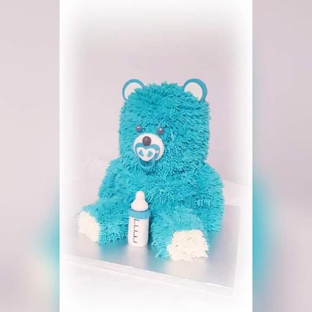 Teddy Bear Cake by Hizak Besa