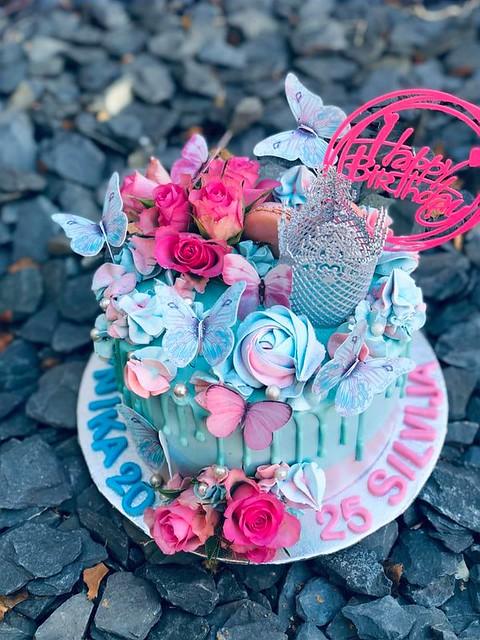 Bizarre Cupcake by Asta Asta