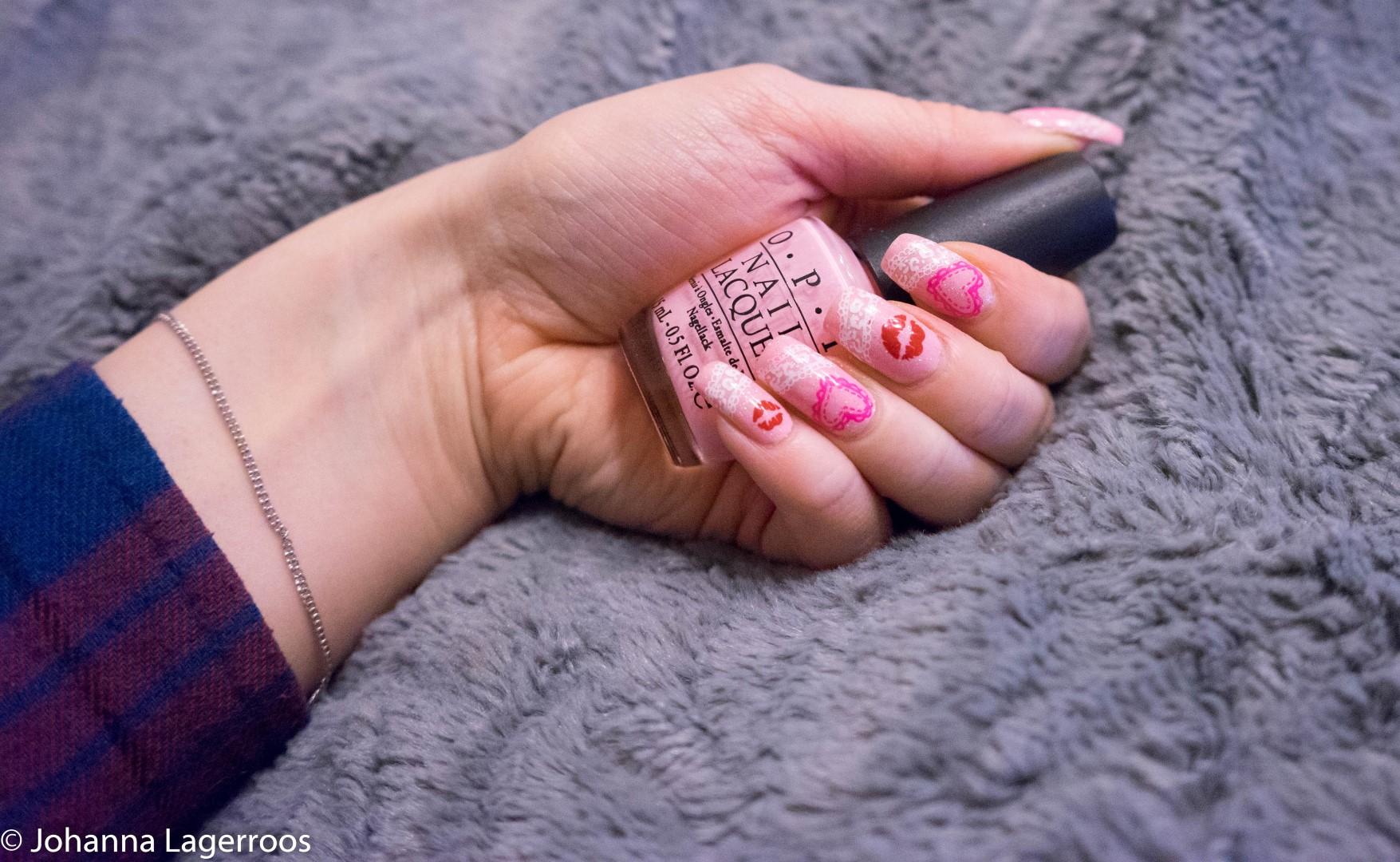 girly valentines nails