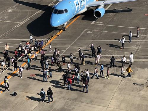 名古屋空港『空の日』フェスタ2018 飛行機と綱引き 9868DC1C-BF72-42E2-9789-FD910E8E5FA1