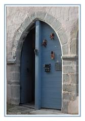 porte d'Oloron-Sainte-Marie