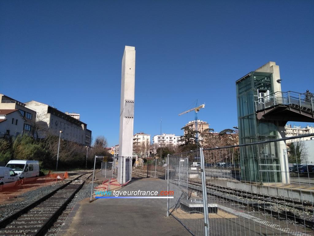 Aménagement des quais et extension de la passerelle de la gare aixoise