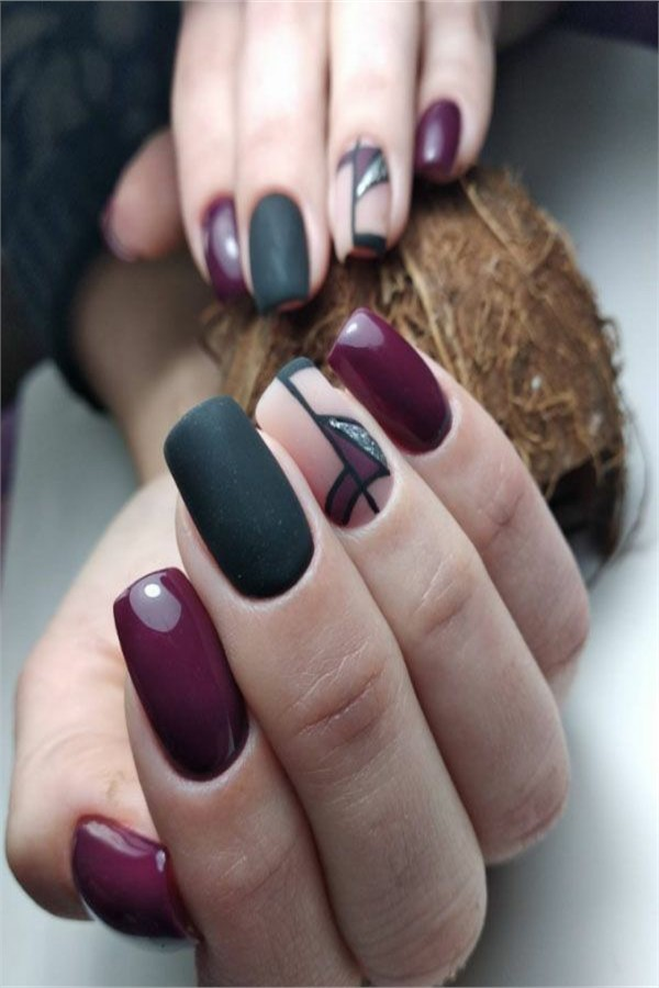 30+ Elegant Gel Nail Art Designs 2019 #2019_nails #nail_art_designs #winter_nails #gel_nails