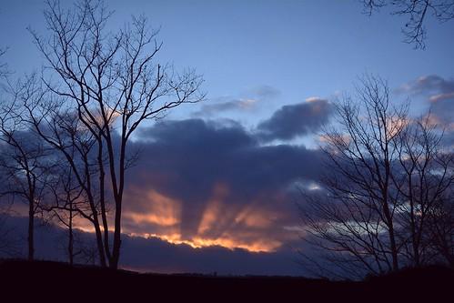 westpond sunset sunsetrays radialrays nature naturephoto naturephotography landscape landscapephoto landscapephotography januarysunset january maine