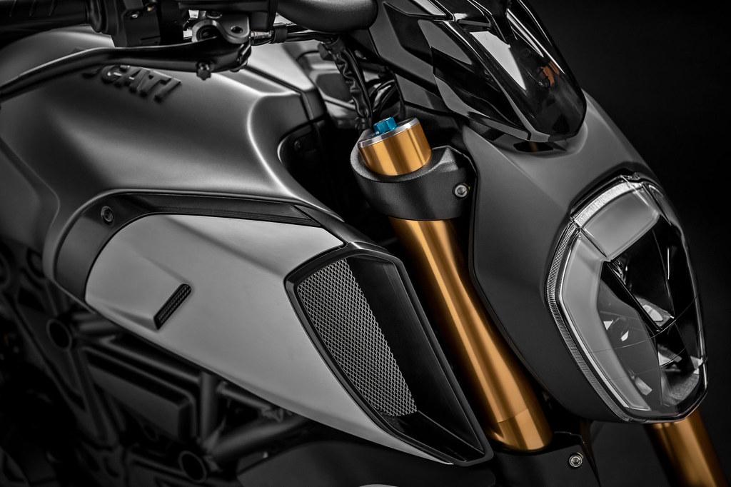 Ducati DIAVEL 1260 S 2019 - 11